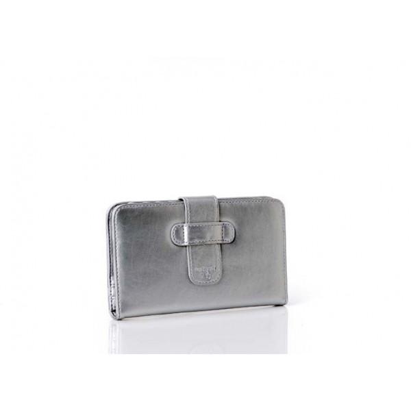 Silverfärgad plånbok/portmonnä för henne från Pipols Bazaar